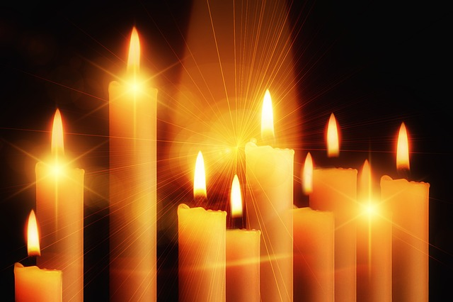 candles-435410_640